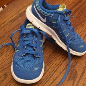 Nike kids running shoes sz 11c
